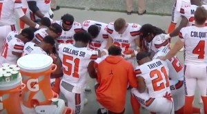 Browns praying